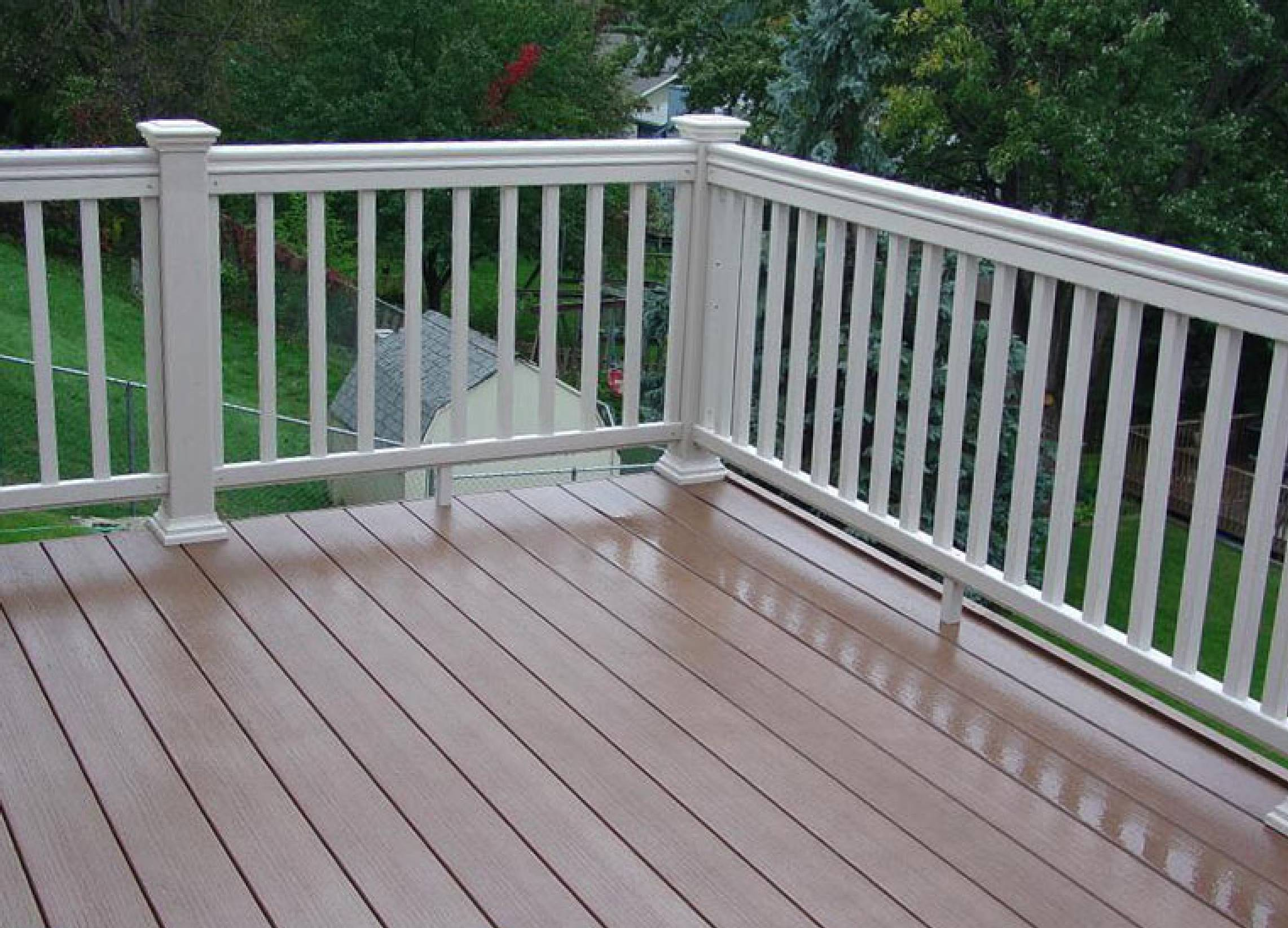 100 composite wood wood and composite decking pros and for Cedar decks pros and cons